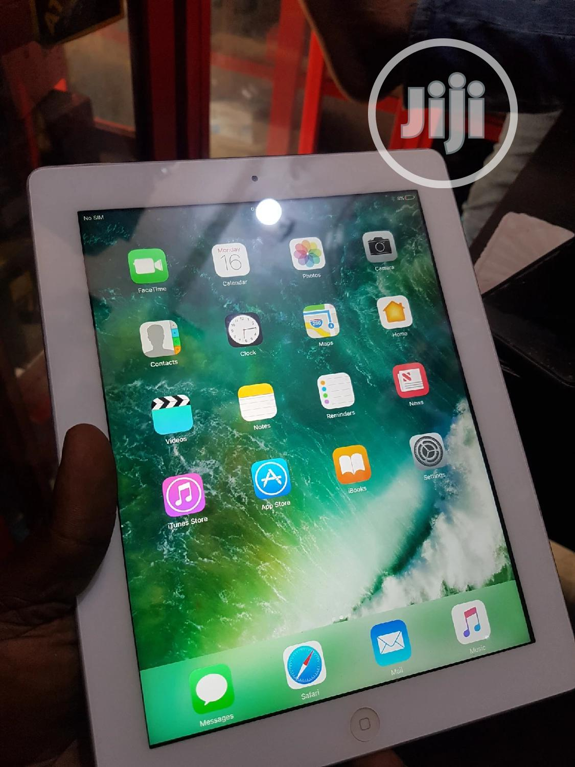Archive: Apple iPad mini 4 16 GB White