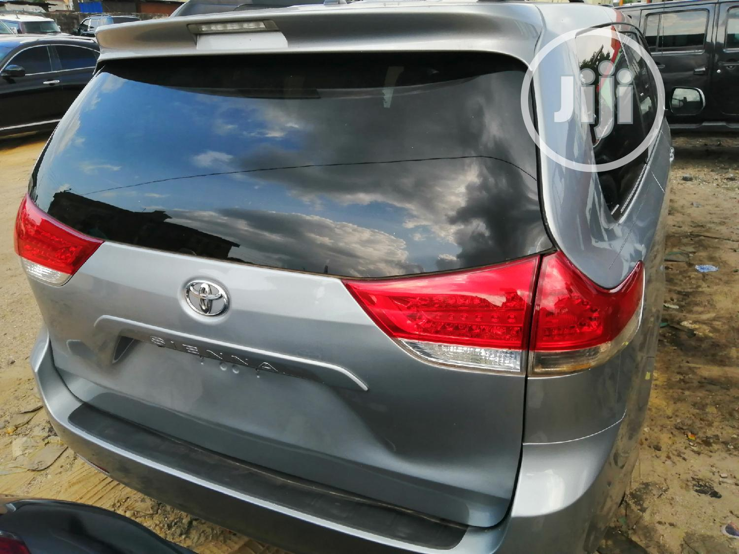 Toyota Sienna 2013 LE FWD 8-Passenger Blue | Cars for sale in Port-Harcourt, Rivers State, Nigeria