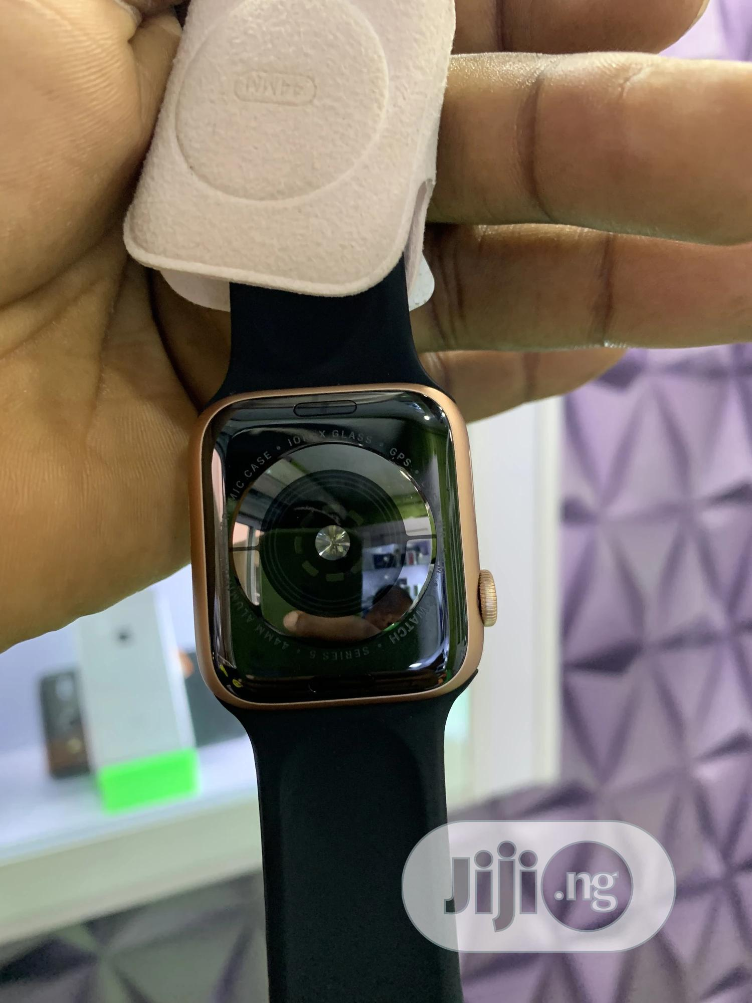 Apple Watch Series 5 | Smart Watches & Trackers for sale in Ikeja, Lagos State, Nigeria