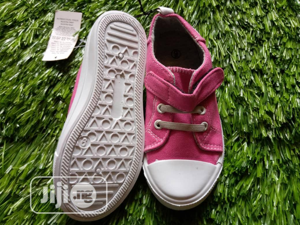 Archive: Girls Sneakers
