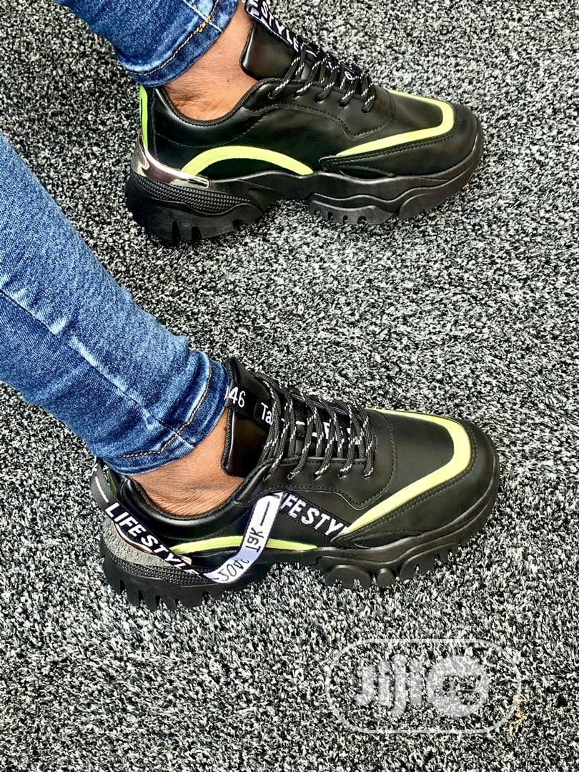 Classic Unisex Sneakers | Shoes for sale in Ejigbo, Lagos State, Nigeria