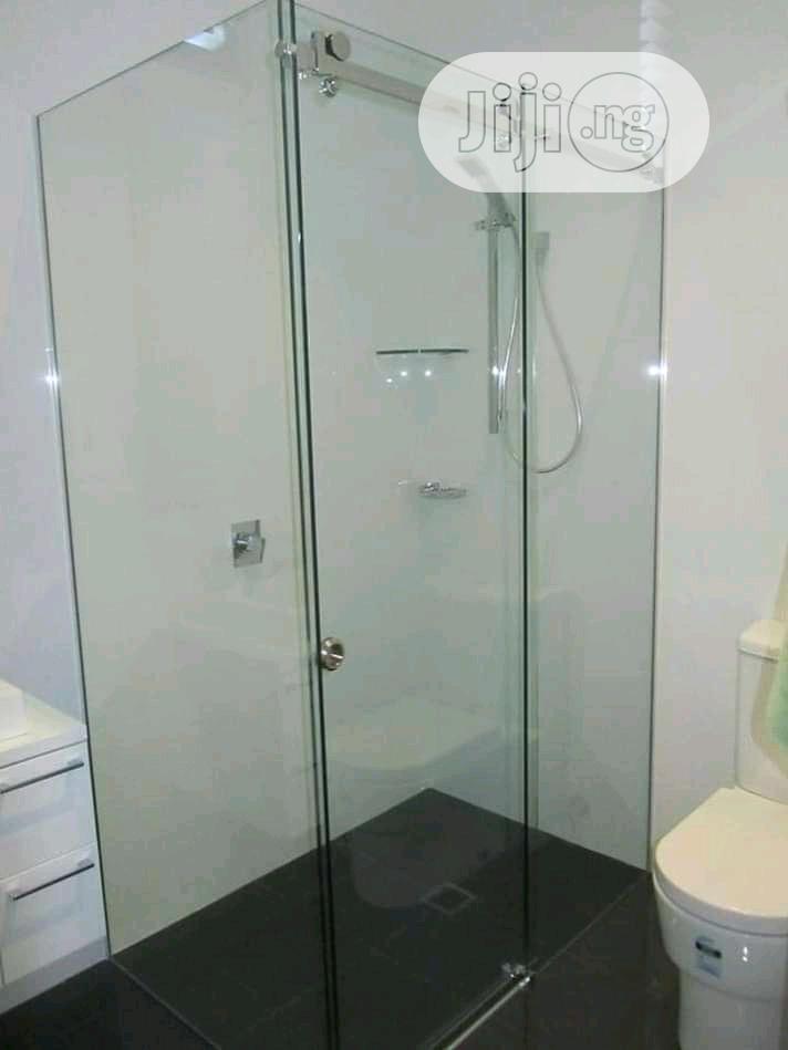 Shower Glass Cubicle Awe.