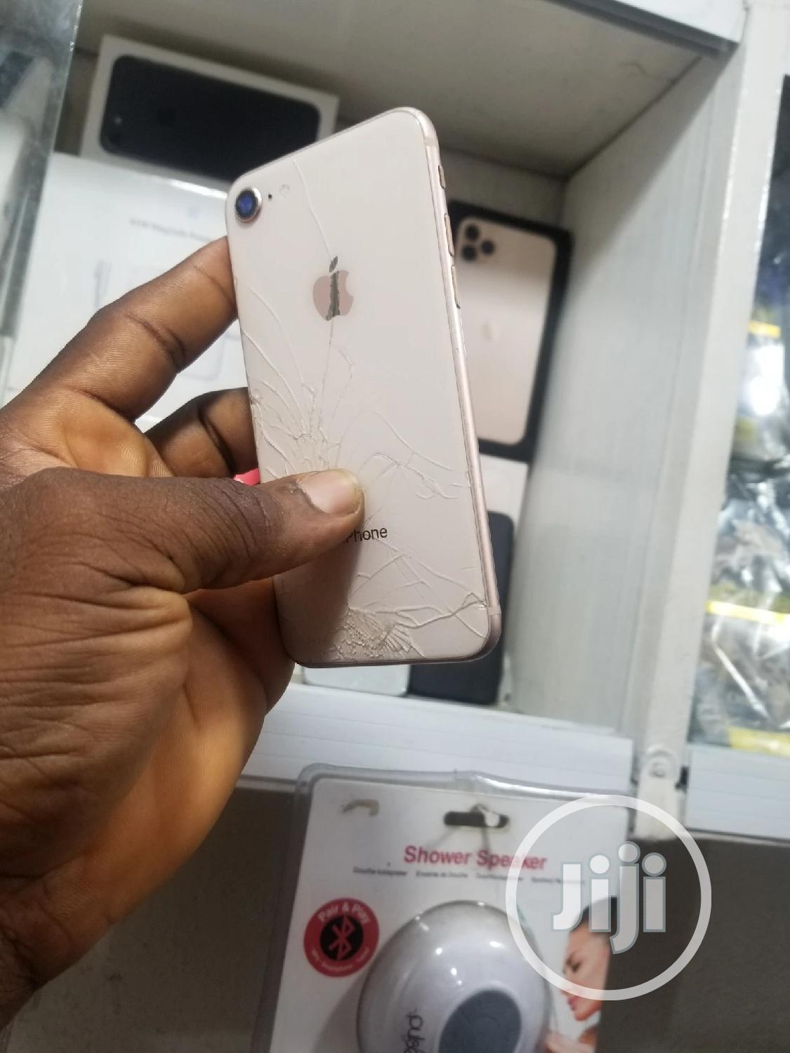 Apple iPhone 8 64 GB Gold   Mobile Phones for sale in Ikeja, Lagos State, Nigeria