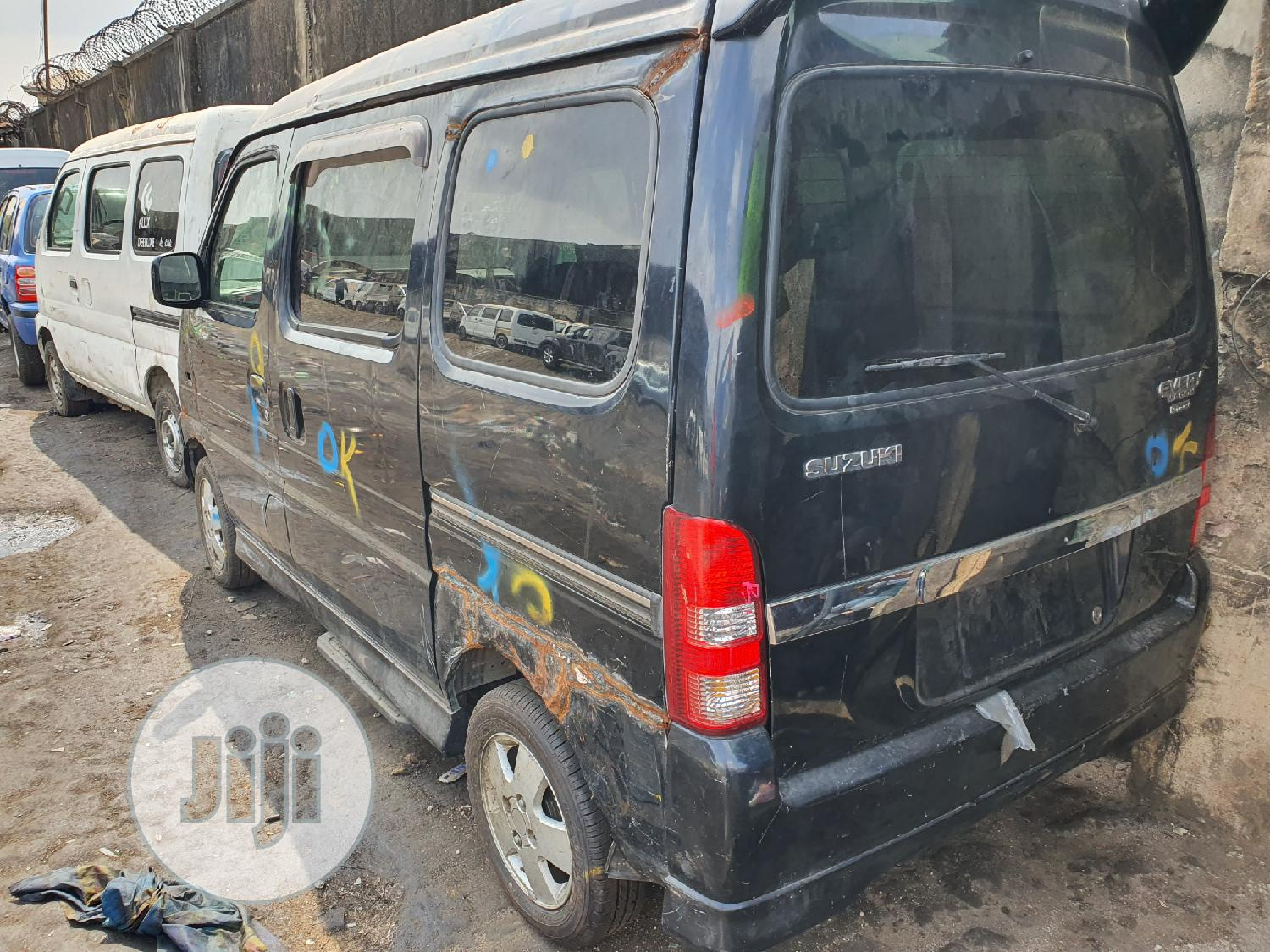 Suzuki Every Mini Bus In Cut And Packed | Buses & Microbuses for sale in Lekki, Lagos State, Nigeria