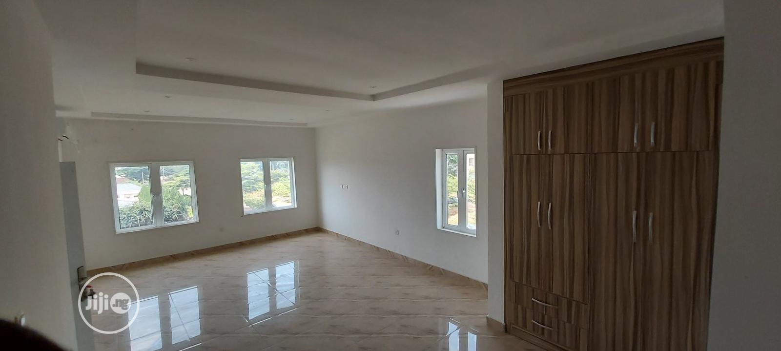 Archive: 4 Bedroom Semi-Detached Duplex