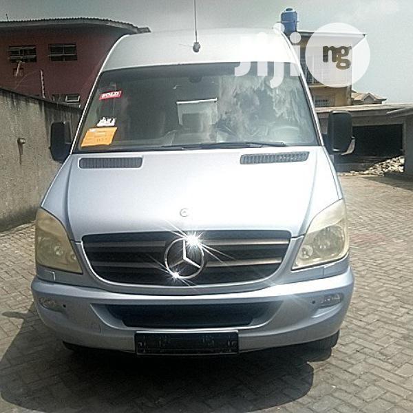 Executive 16 Seater Mercedes Benz Sprinter Bus Long Chasis
