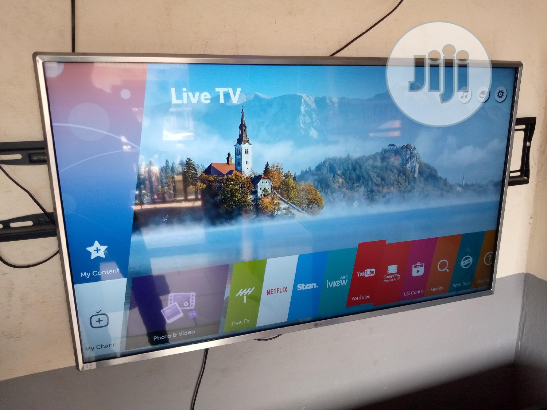 "43"" LG Smart Webos Uhd 4K Hdr TV 2017model { Uj654tg }"