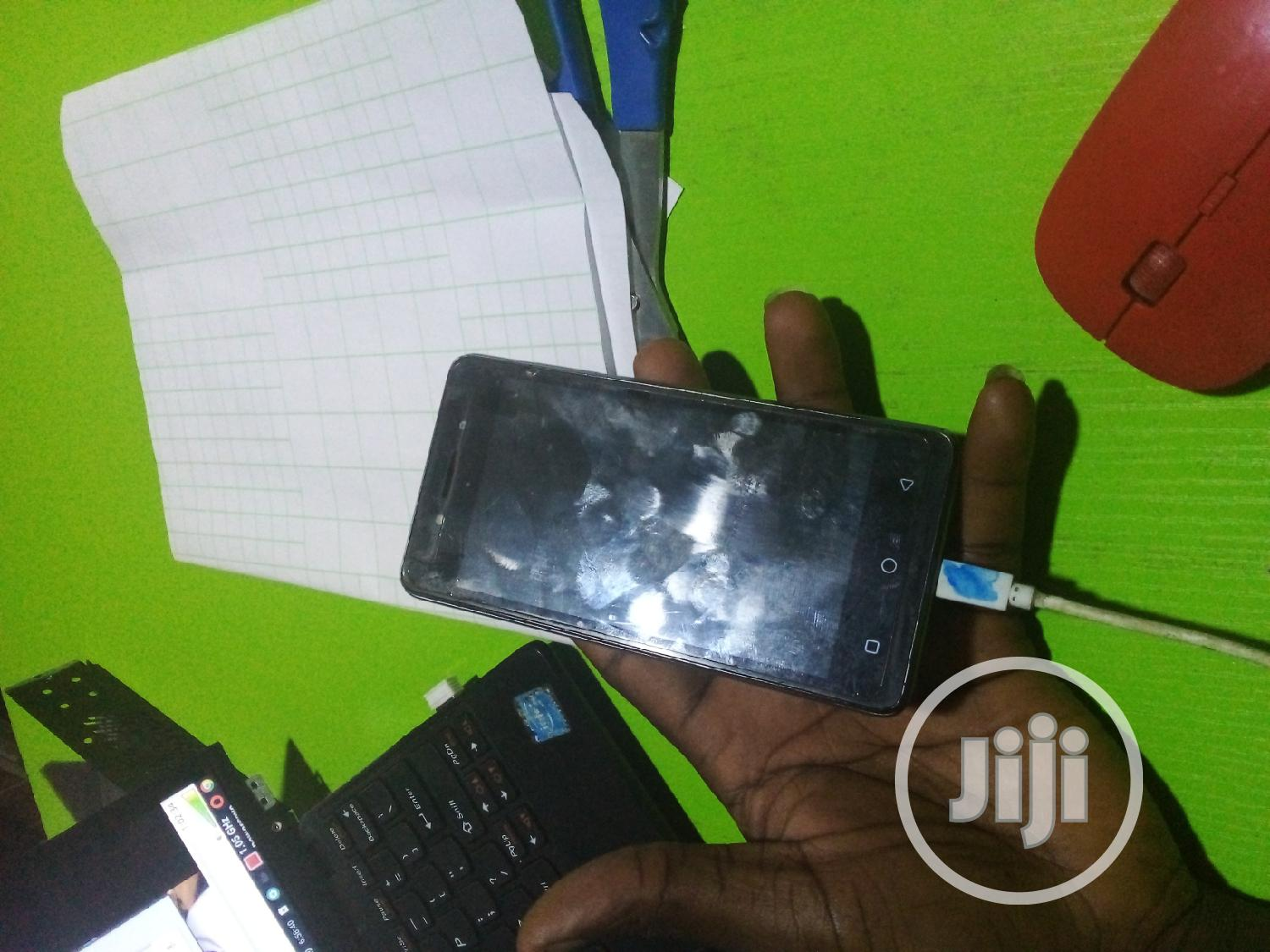 Archive: Tecno W2 8 GB Black