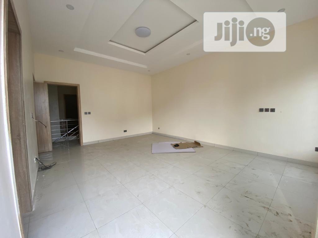 Archive: Spacious 4 Bedroom Terrace Duplex