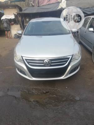 Volkswagen Passat 2010 2.0 Sedan Silver | Cars for sale in Lagos State, Surulere