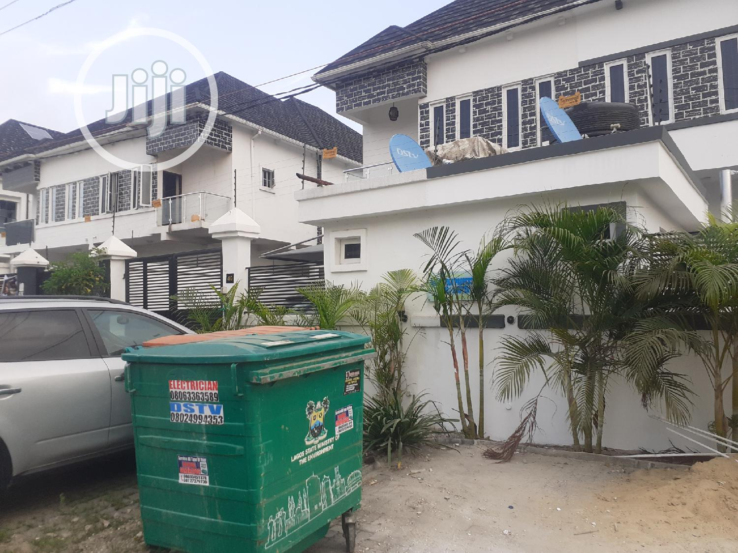 A Brand New 4 Bedroom Sime-detach Duplex With A Bq Chevron