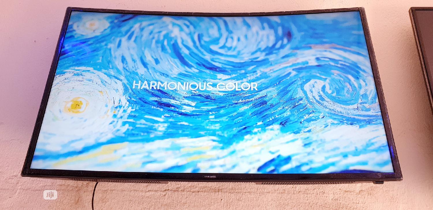40 Inches Samsung Smart UHD 4k Curved Led Tv   TV & DVD Equipment for sale in Ojo, Lagos State, Nigeria