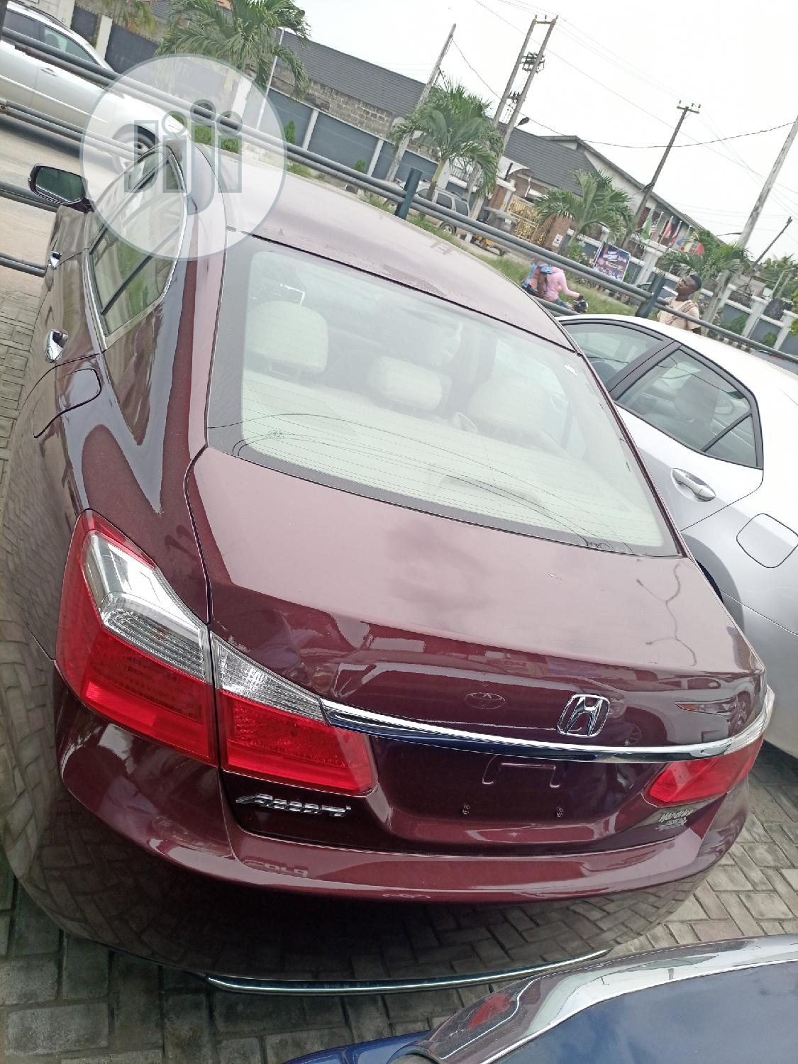 Archive: Honda Accord 2015 Red