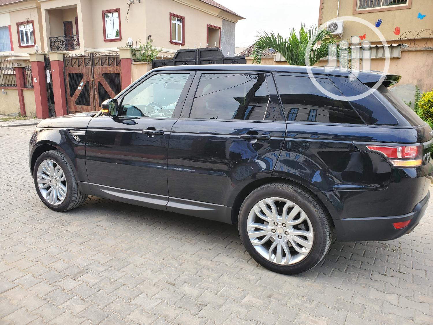 Archive: Land Rover Range Rover Sport 2014 HSE 4x4 (3.0L 6cyl 8A) Blue