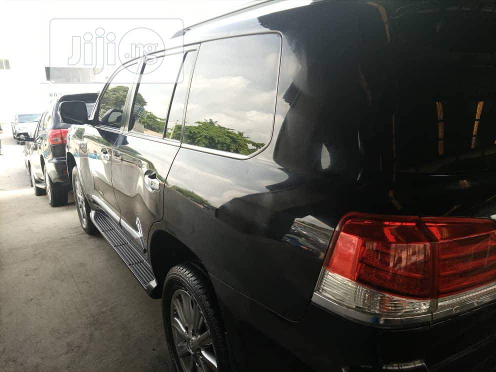 Archive: Lexus LX 2013 570 Base Black