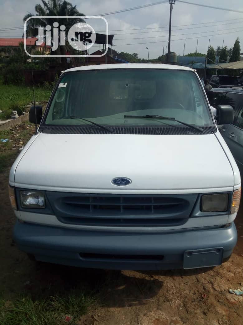 Ford E250 2004 White