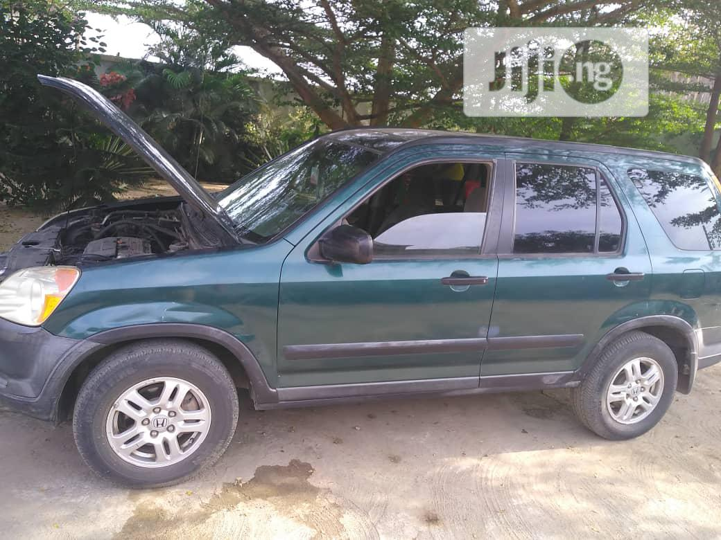 Archive: Honda CR-V 2002 Green