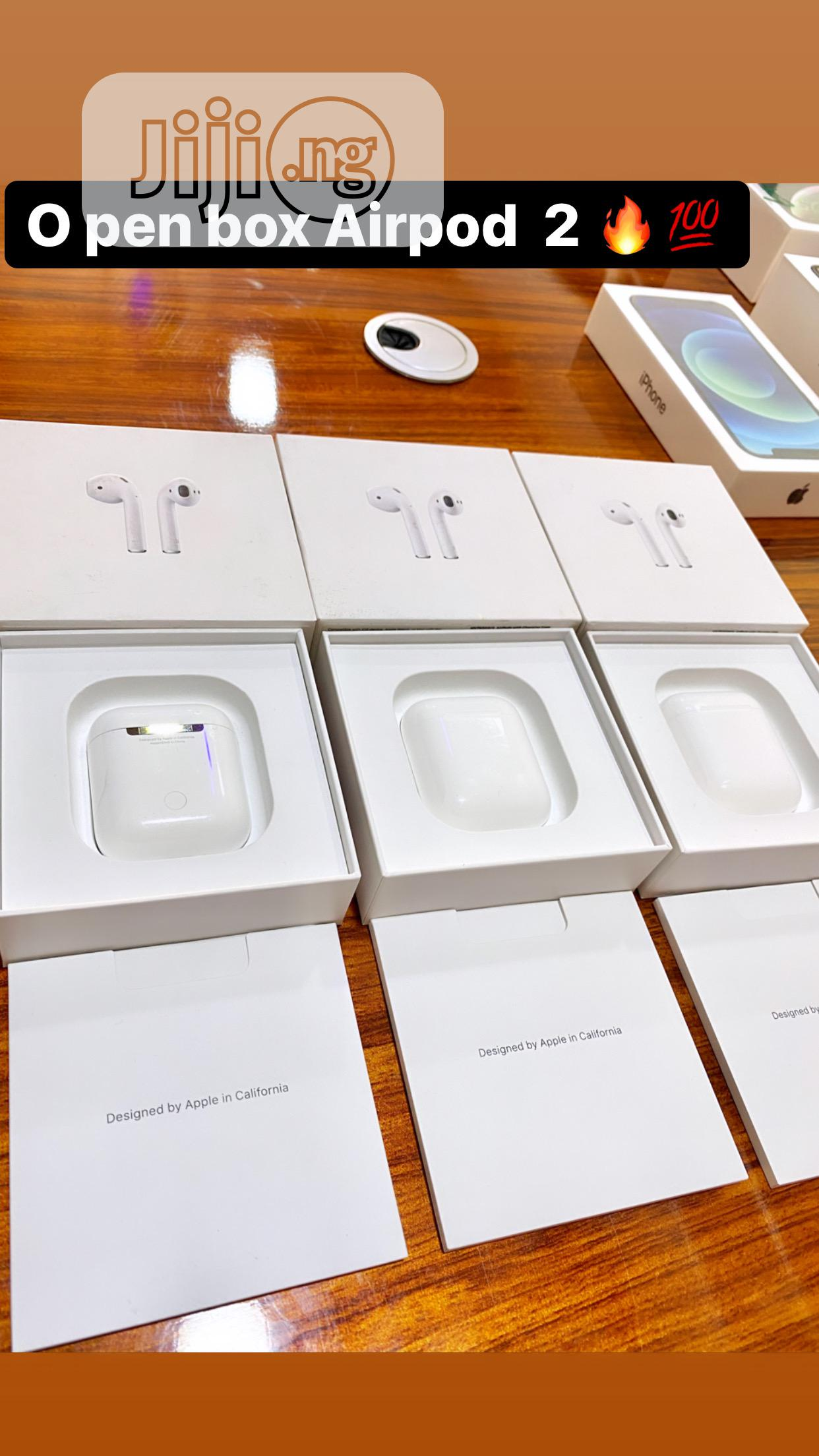 Open Box Apple Airpod 2
