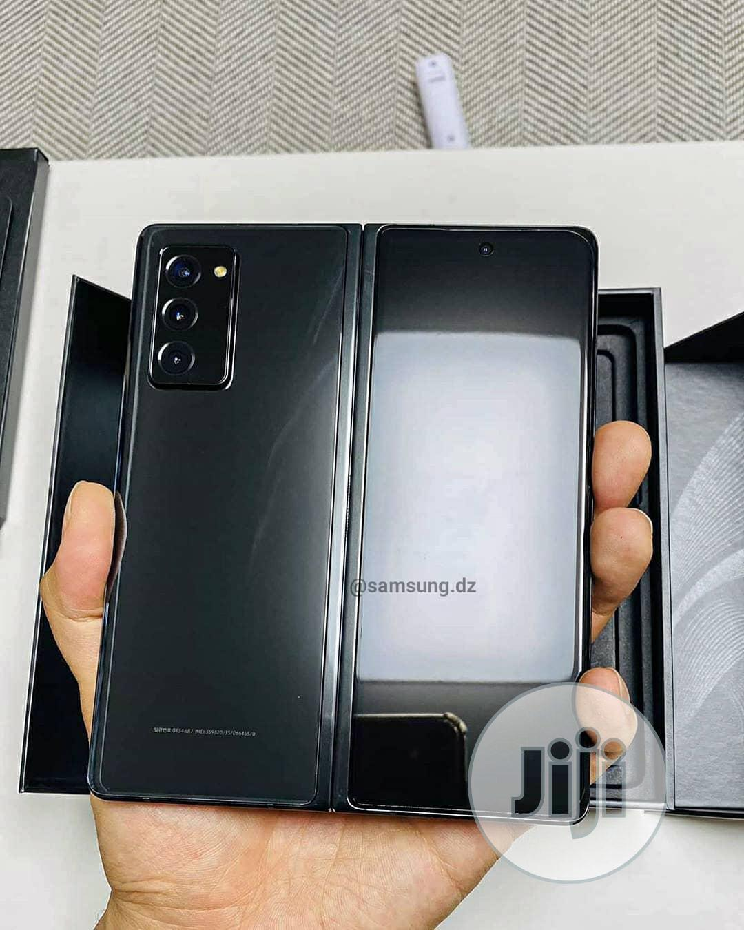 New Samsung Galaxy Z Fold 2 256GB Pink