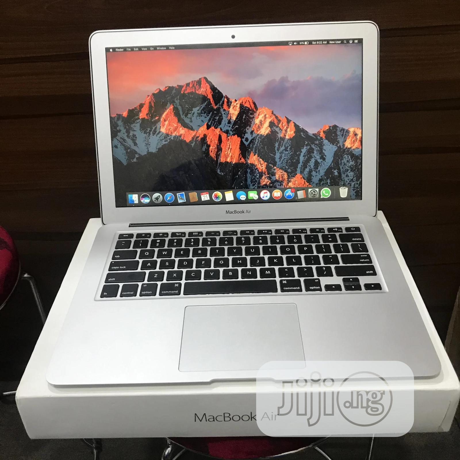 Laptop Apple MacBook Air 8GB Intel Core i5 SSD 256GB