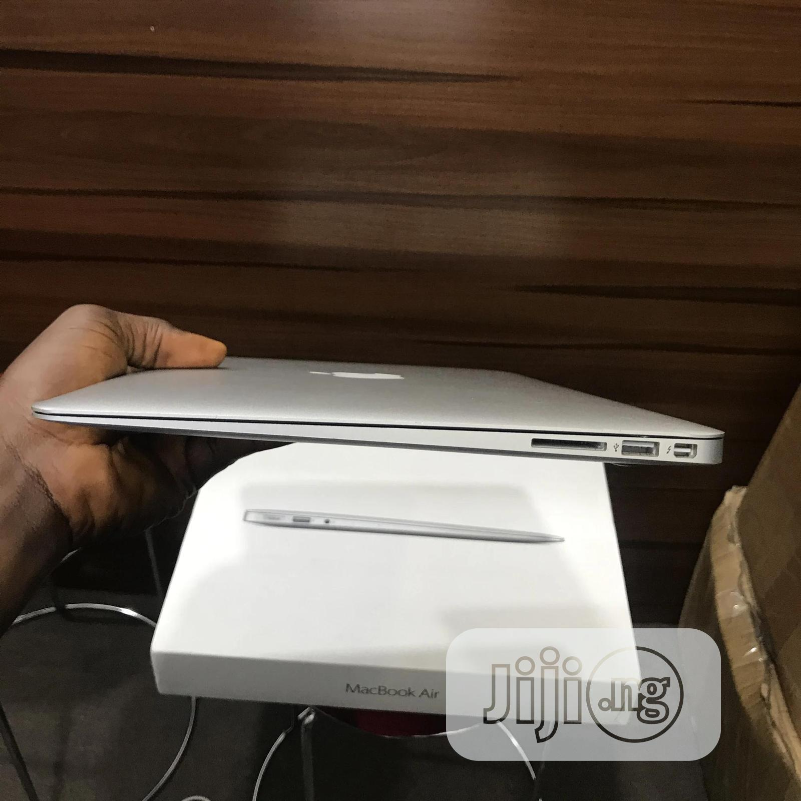 Laptop Apple MacBook Air 8GB Intel Core i5 SSD 256GB | Laptops & Computers for sale in Ibadan, Oyo State, Nigeria