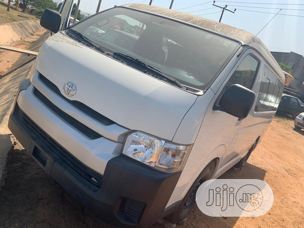 Brand New Toyota Hiace Bus For Quick Sale | Buses & Microbuses for sale in Gwarinpa, Abuja (FCT) State, Nigeria
