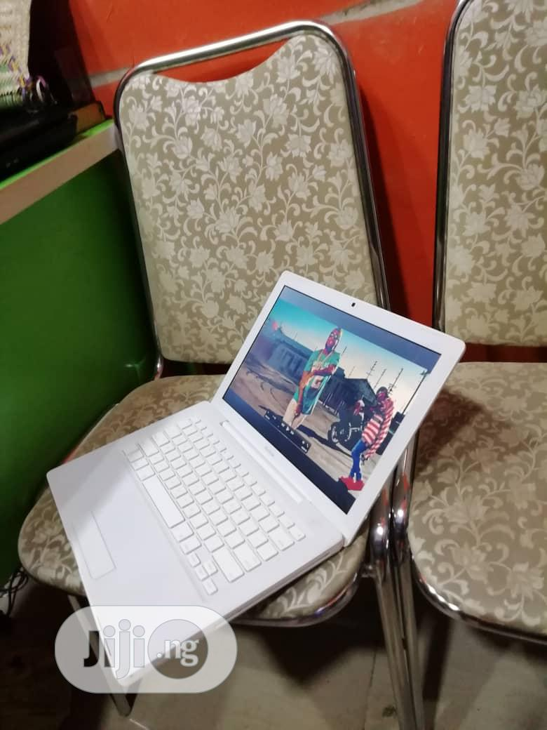 Laptop Apple MacBook 4GB Intel Core 2 Duo HDD 250GB | Laptops & Computers for sale in Isolo, Lagos State, Nigeria