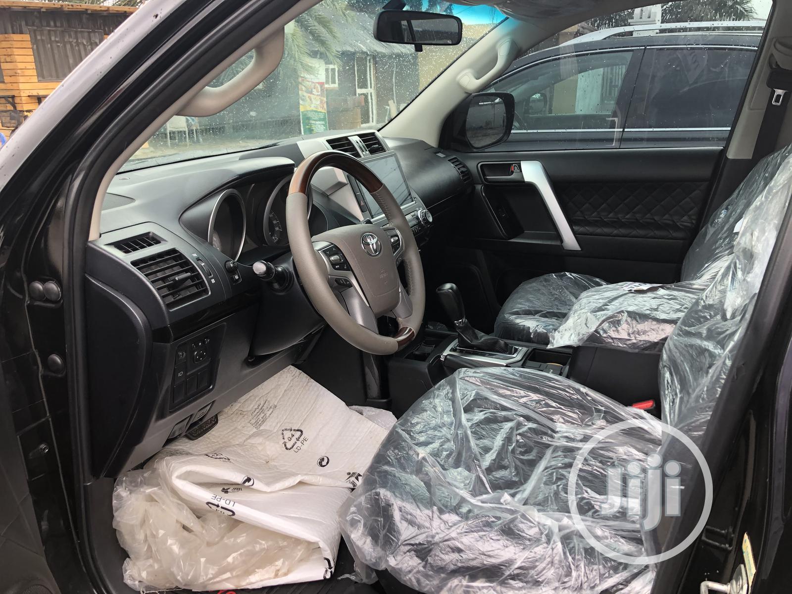Archive: Toyota Land Cruiser Prado 2015 GXL Black