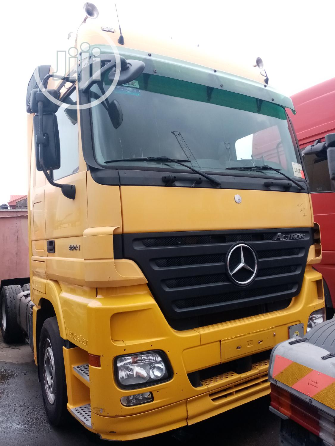 Archive: Mercedes Actros 6 Tires Trailer Head