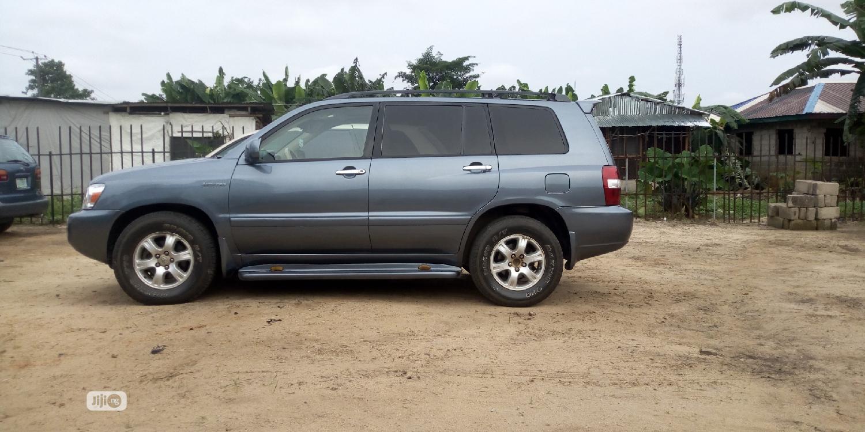 Toyota Highlander 2004 Limited V6 4x4 Blue | Cars for sale in Port-Harcourt, Rivers State, Nigeria