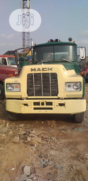 Tractor Head Mack Rmodel   Heavy Equipment for sale in Lagos State, Amuwo-Odofin