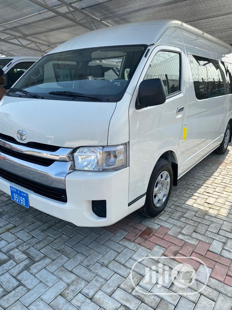 Totoya 2017 Haice Bus - White