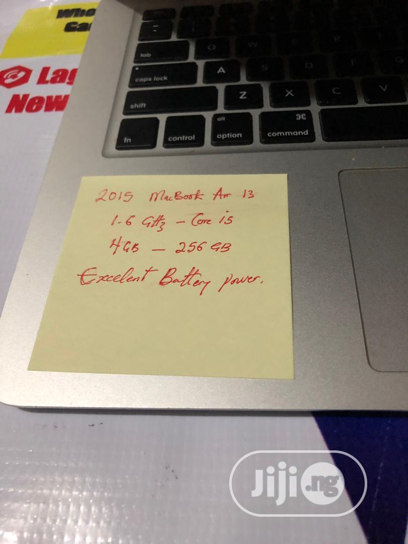 Laptop Apple MacBook Air 2015 4GB Intel Core I5 SSD 256GB