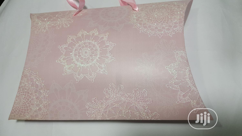 Paper Made Gift Bag/Carrier Bag