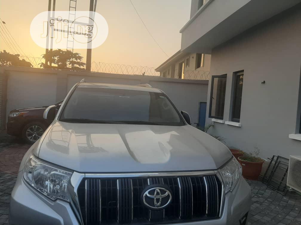 Toyota Land Cruiser Prado 2018 GXR Silver | Cars for sale in Magodo, Lagos State, Nigeria