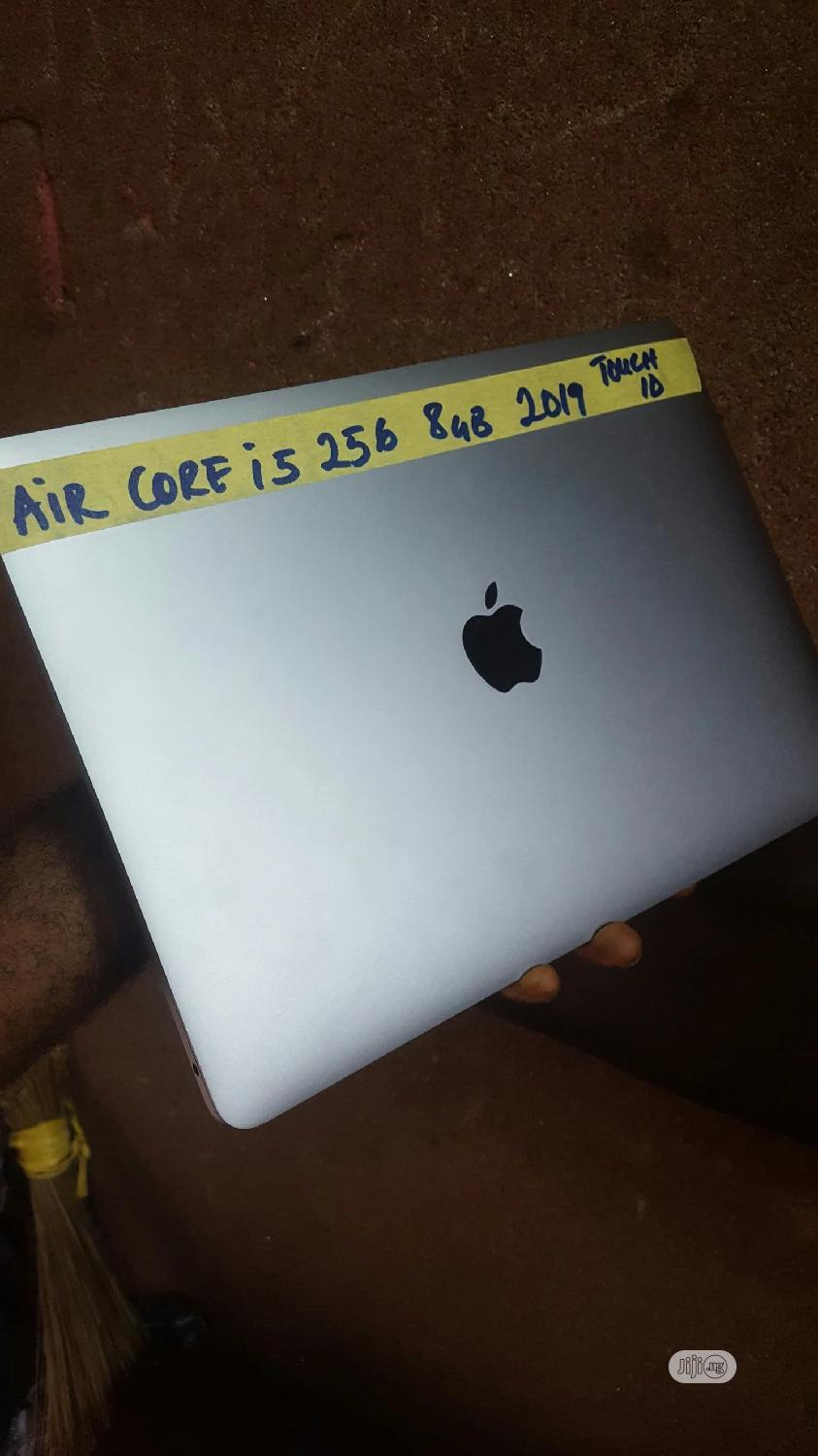 Laptop Apple MacBook Air 2019 8GB Intel Core I5 SSD 256GB   Laptops & Computers for sale in Ajah, Lagos State, Nigeria