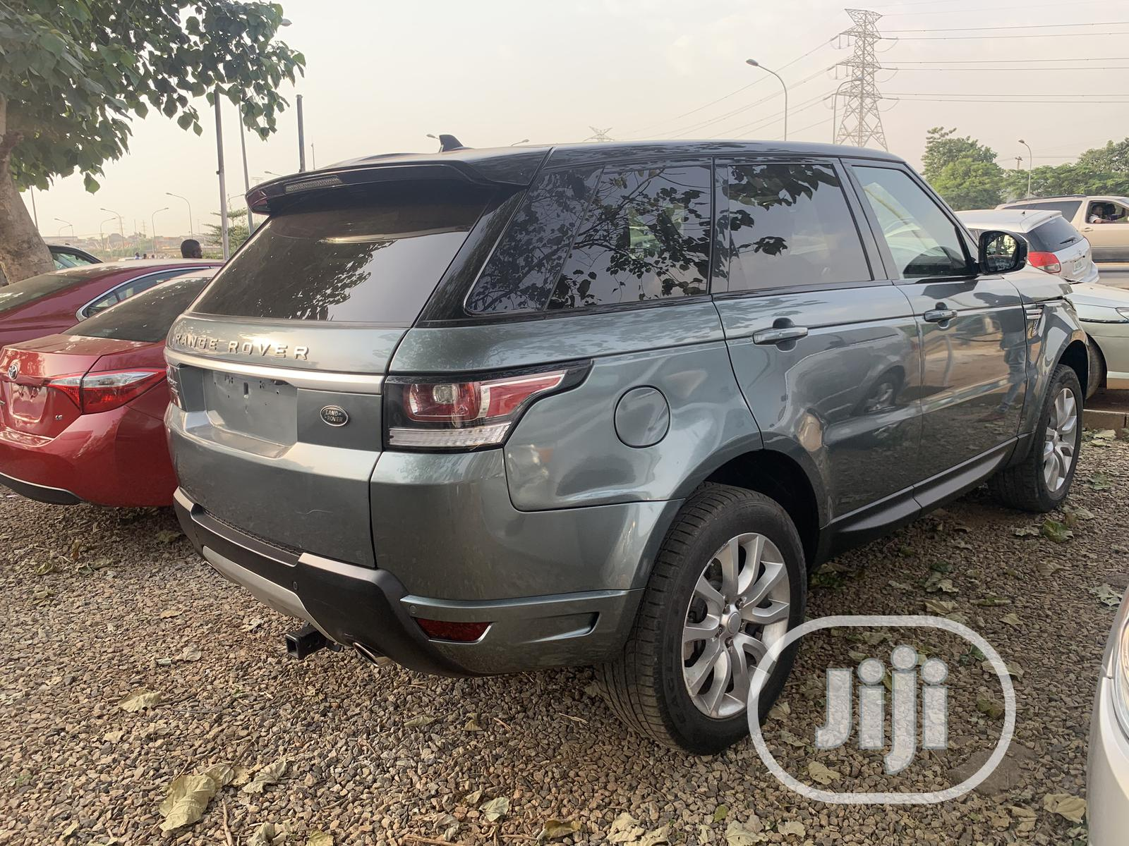 Archive: Land Rover Range Rover Sport 2016 HSE 4x4 (3.0L 6cyl 8A) Blue