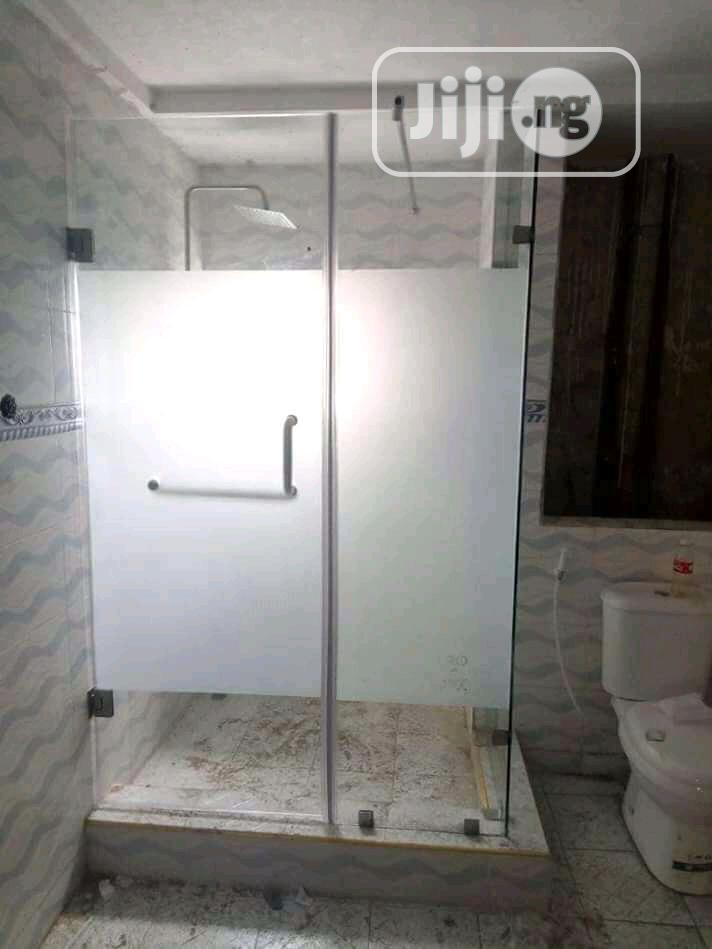 Shower Glass Cubicle With Frozen Borderlines | Plumbing & Water Supply for sale in Idu Industrial, Abuja (FCT) State, Nigeria