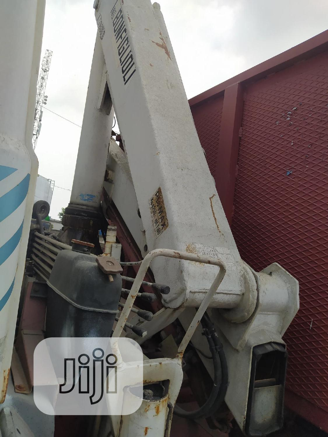 Very Sound Tokunbo Iveco Truck With Self Loader Crane . | Trucks & Trailers for sale in Apapa, Lagos State, Nigeria