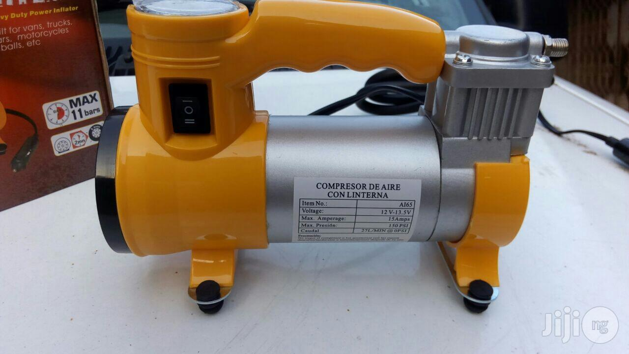 2-in-1 Air Compressor With Light (12V)