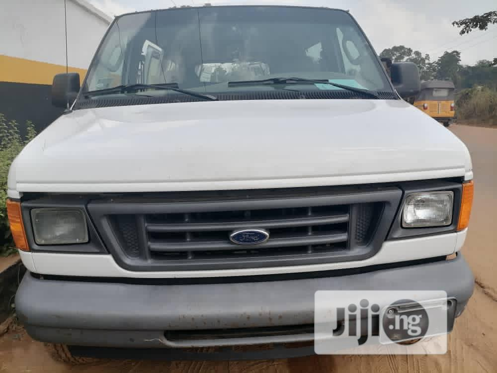 Tokunbo Ford E-350 2007 White | Buses & Microbuses for sale in Ibadan, Oyo State, Nigeria