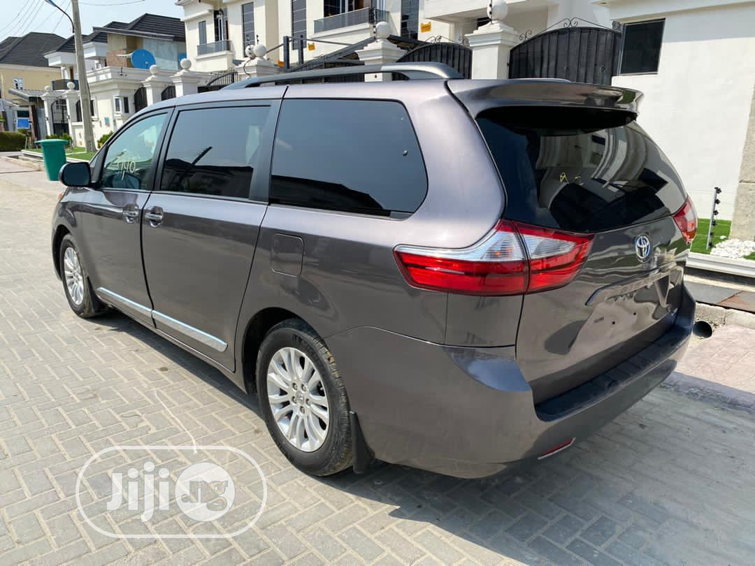 Toyota Sienna 2017 Gray | Cars for sale in Awka, Anambra State, Nigeria