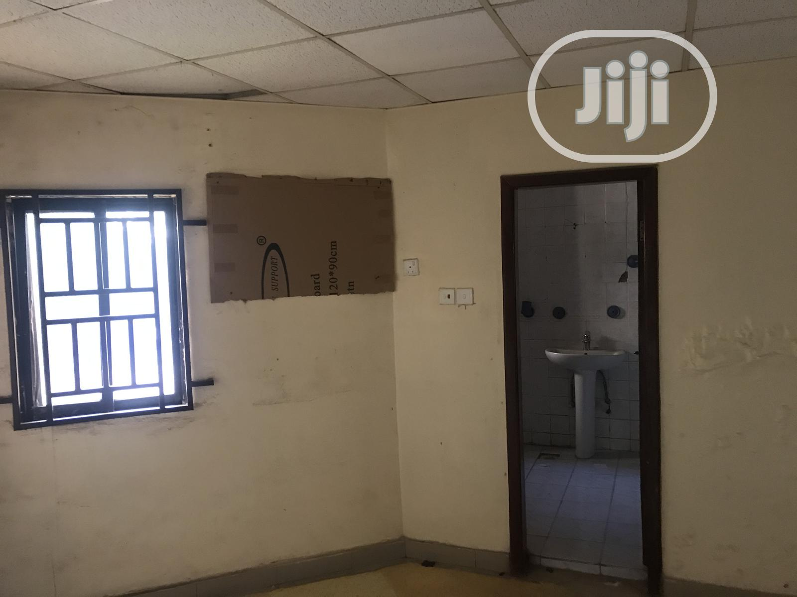 Serviced 3 Bedroom Apartment in Lovely Estate in Garki 2 | Houses & Apartments For Rent for sale in Garki 2, Abuja (FCT) State, Nigeria