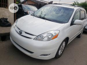Toyota Sienna 2008 White | Cars for sale in Lagos State, Surulere