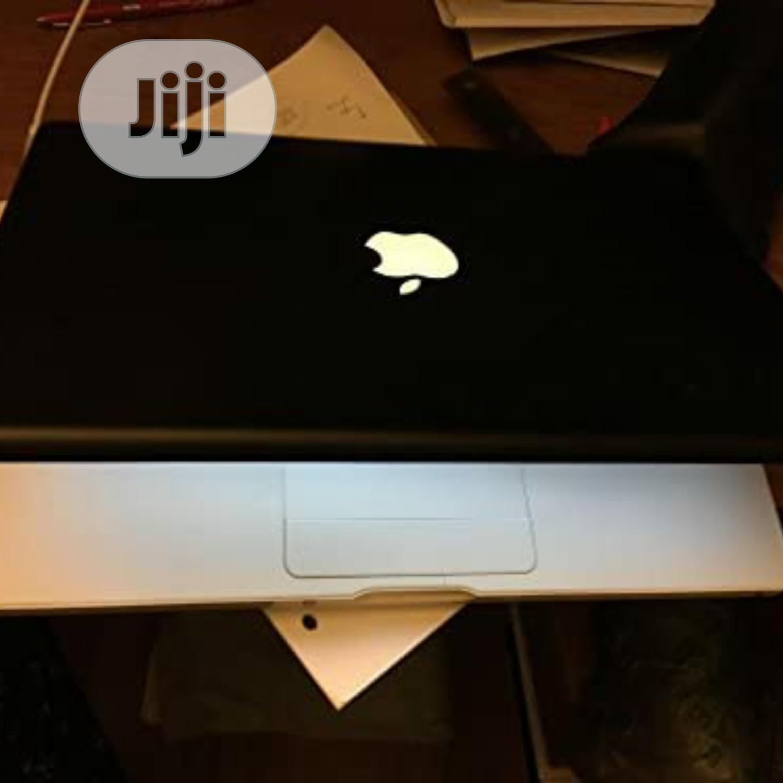 New Laptop Apple MacBook 4GB Intel Core 2 Duo HDD 250GB