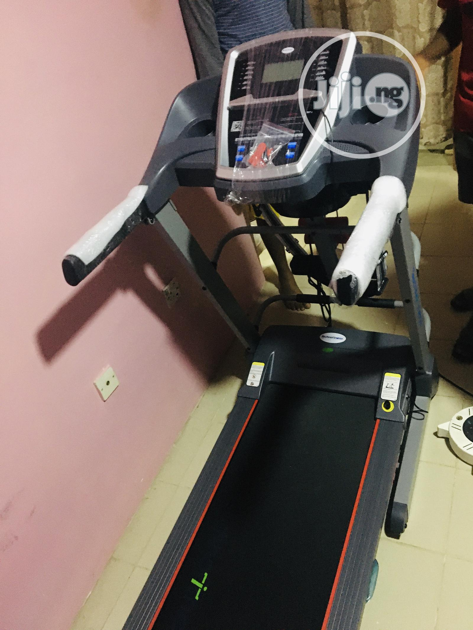Heavy Duty 2.5hp Treadmill With Massager and Dumbbell