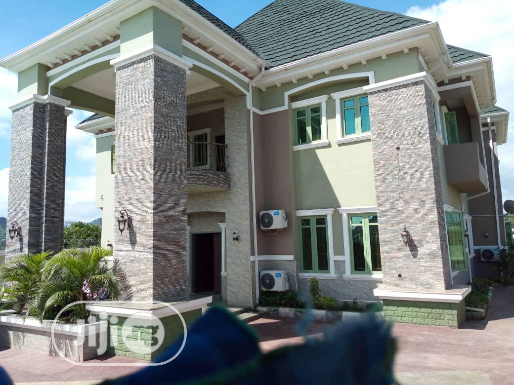 5 Bedroom Duplex ,Space For Pool In The House Swimming Pool