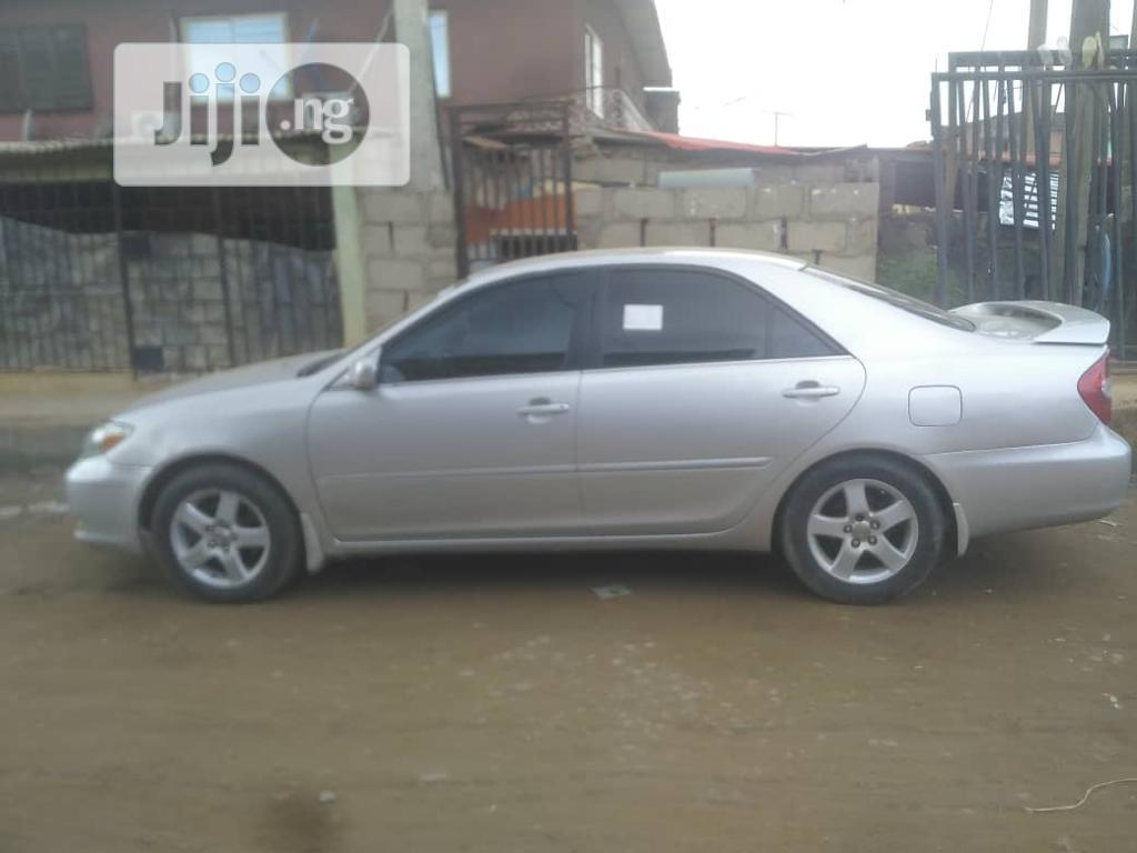 Toyota Camry 2002 Silver | Cars for sale in Ilupeju, Lagos State, Nigeria