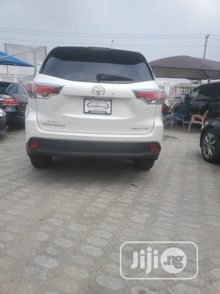 Toyota Highlander 2015 White | Cars for sale in Lekki, Lagos State, Nigeria