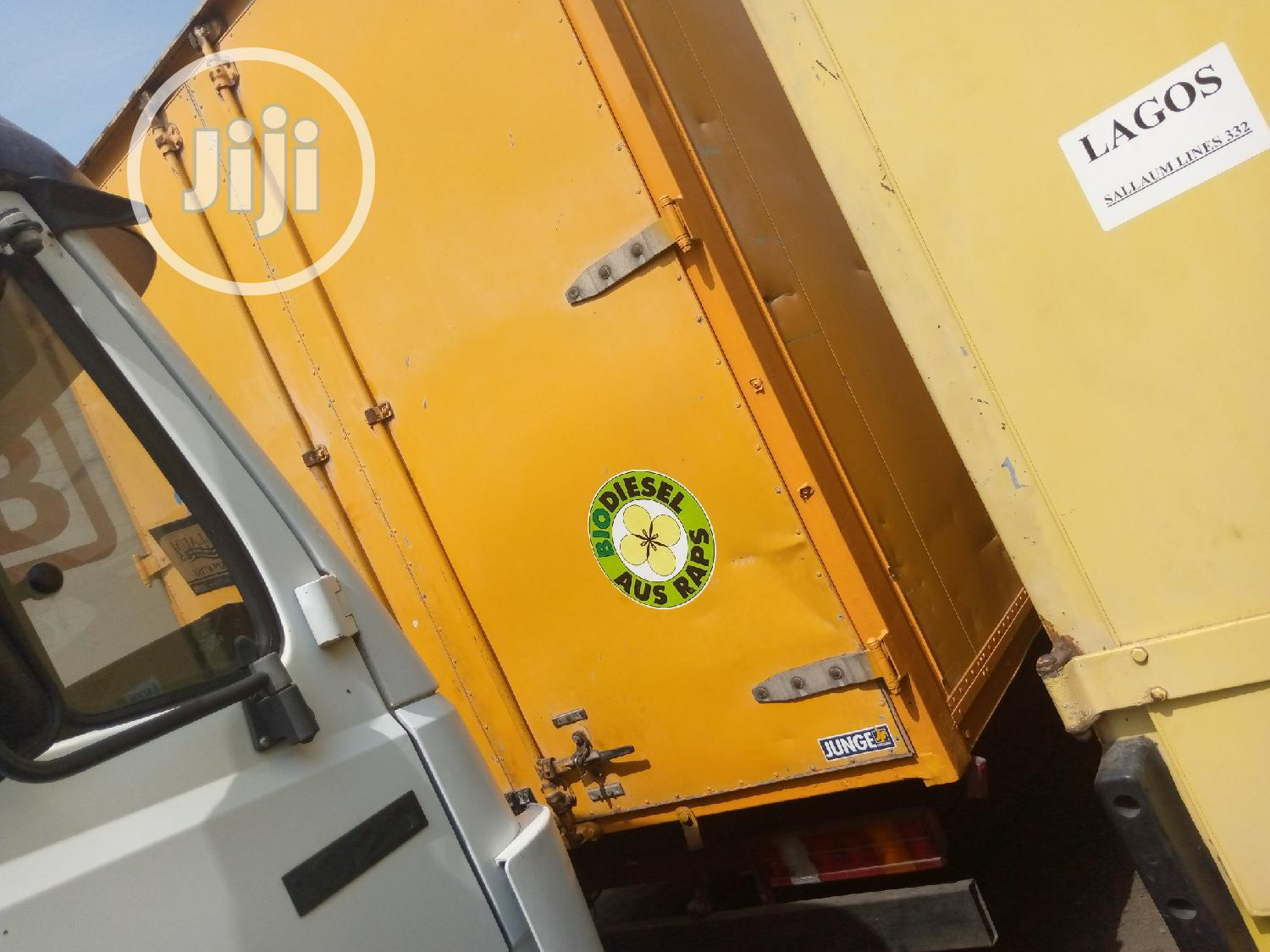 Mercedes Benz Truck 814 Yellow | Trucks & Trailers for sale in Apapa, Lagos State, Nigeria